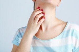 Ощупывание горла