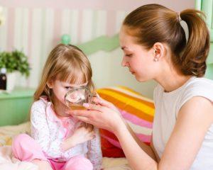 Белое в горле у ребенка
