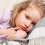 Что делать, если у ребенка насморк и красное горло