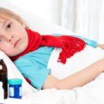 Как лечить горло ребенку – обзор эффективных препаратов