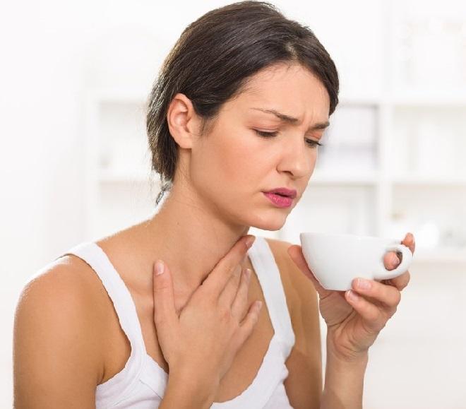 Как остановить першение в горле